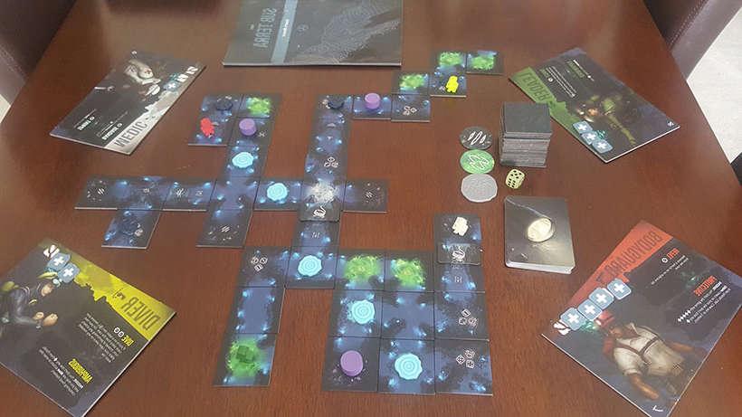 Jouer au jeu de société Sub Terra